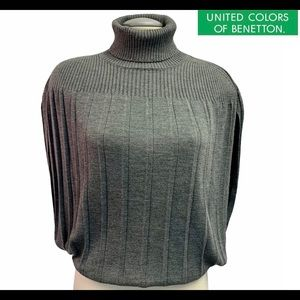 Vintage United colours of Benetton gray sweater